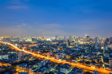 express way in Bangkok city at twilight Stock Photo - 17010129