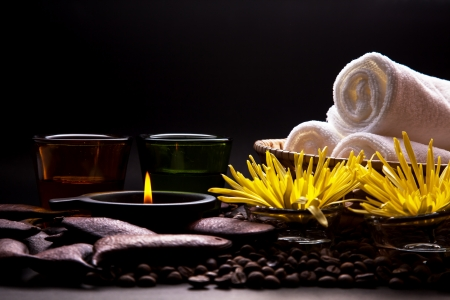 aroma therapy: Massage oil for beauty in spa treatment.