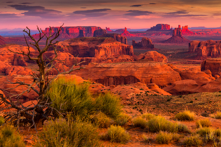 Sunrise in Hunts Mesa navajo stammen majestueuze plaats in de buurt van Monument Valley, Arizona, Verenigde Staten