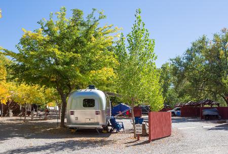 ザイオン国立公園内のキャンプ場にビンテージ アメリカ モバイル ホーム