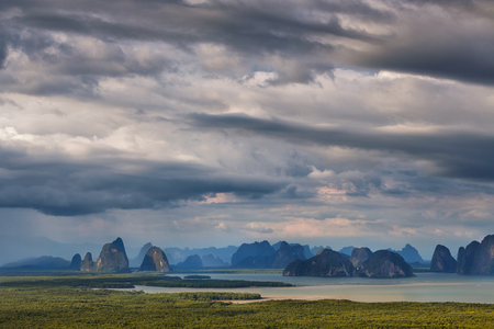 Panorama View of Phang Nga bay from Samet Nangshe viewpoint at sunrise, Thailand Imagens