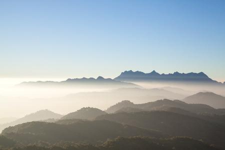 Sunrise at Doi Kum Fa View Point Mountain in Chiang Mai, Thailand 免版税图像 - 112335980