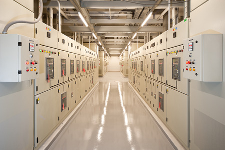 electricidad industrial: Conmutaci�n en la sala el�ctrica.