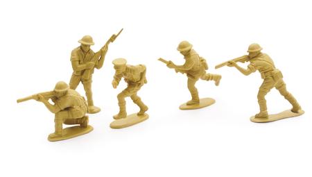 soldado: Soldados de juguete aislado en un fondo blanco.