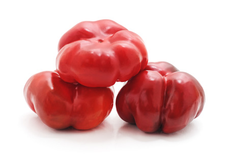Group red peppers isolated on a white background. Standard-Bild - 116057218