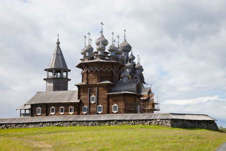 kizhi: Karelia. Island of Kizhi. View of Church of the Intercession of the Virgin and Preobrazhenskii Cathedral (Church of the Transfiguration). Stock Photo