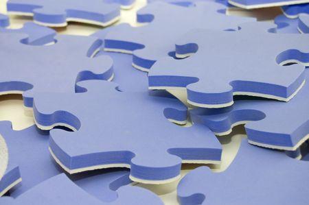 combined: Las combinado piezas de un rompecabezas azul