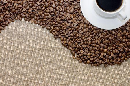 Taza de café en granos de café
