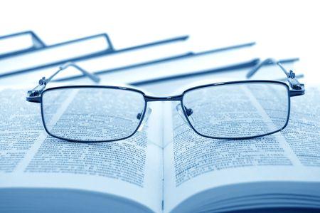 reference book: Gafas en libros