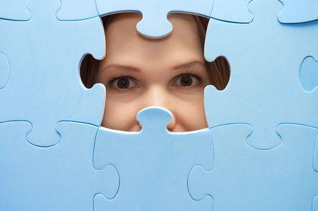 unexpectedness: Los esp�as de la ni�a a trav�s de un rompecabezas azul