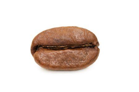 cafe colombiano: Macro de grano de caf� aislado sobre un fondo blanco