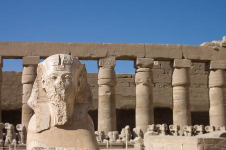 louxor: statues dans le temple antique. Luxor. �gypte