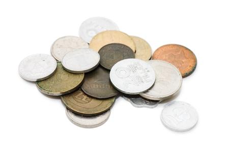 oude munten: Oude munten geïsoleerd op witte achtergrond
