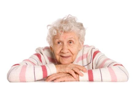 vieux: Portrait de la vieille femme isol� sur fond blanc