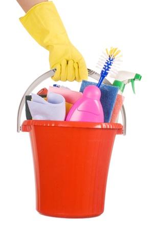 manos limpias: Cubo de pl�stico con art�culos de limpieza