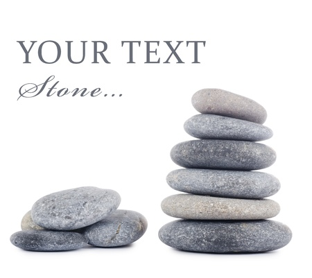 zen steine: Gruppe von Steinen auf wei�em Hintergrund