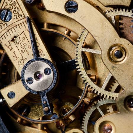 El mecanismo de un reloj antiguo close-up