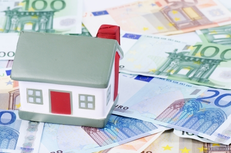 toy house for euro banknotes as background Stock Photo - 15381596