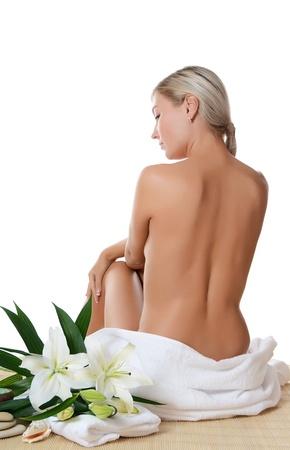mujer desnuda sentada: Mujer hermosa Spa aislado sobre fondo blanco Foto de archivo