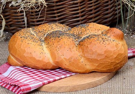 long loaf: bread, wheaten long loaf with poppy