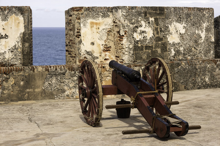 Historic cannon at the ready in old San Juan Puerto Rico Imagens - 37454580