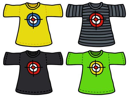 Disegno a mano di quattro magliette di colore