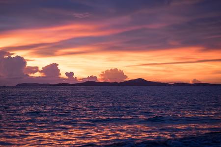 sun set: Beautiful orange sun set sky during golden hour