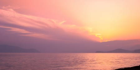ussuri: Pink sunset in the Sea of Japan