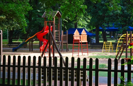 jungle gym: Summer at the playground. Jungle gym at the park.