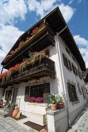 mountainy: Beautiful house in Garmisch-Partenkirchen, Bavaria, Germany.