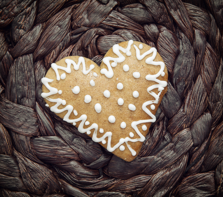 gingerbread heart: Gingerbread heart of love. Valentines day. Symbolic shape.