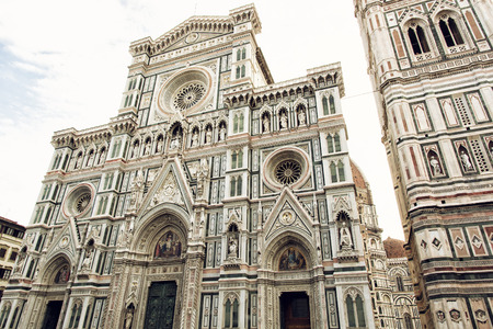 cattedrale: Cattedrale di Santa Maria del Fiore (english, Cathedral of Saint Mary of the Flower) is the main church of Florence, Tuscany, Italy. Architectural scene.
