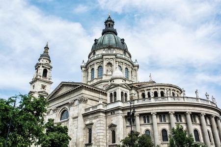 roman catholic: Saint Stephens basilica is a roman catholic basilica in Budapest, Hungary. Architectural theme. Cultural heritage. Religious architecture. Travel destination. Famous place.