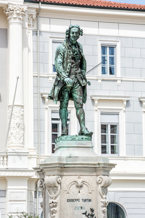 Giuseppe Tartini statue in Tartini square, Piran, Slovenia. Artistic object. Stockfoto