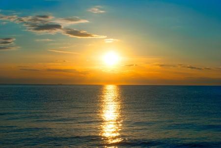 sunset on the sea Standard-Bild