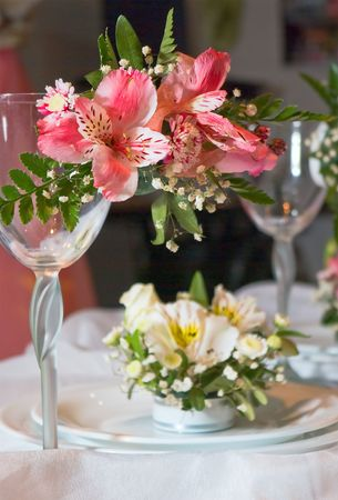 Plates and glasses decorated with flowers