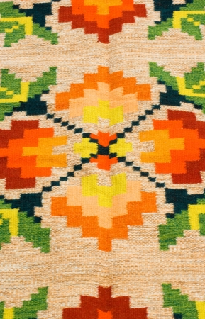 traditionary: Hand woven Ukrainian rug with traditional geometric design