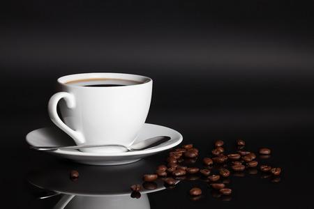 Cup of coffee with beans Zdjęcie Seryjne