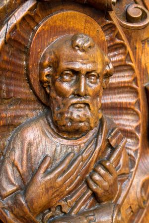 木像聖ペテロ上向き