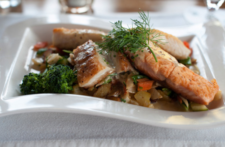 loach: Salmon fillet dish with fresh vegetables and potatoes Stock Photo