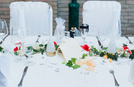 festively: Table decoration in a restaurant for a wedding Stock Photo
