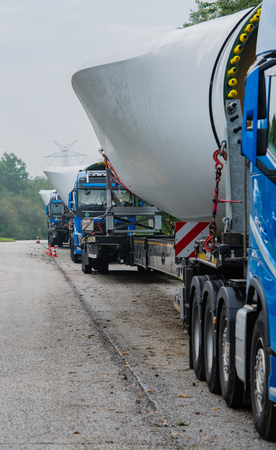 Wind energy, heavy transport of rotor blades 스톡 콘텐츠