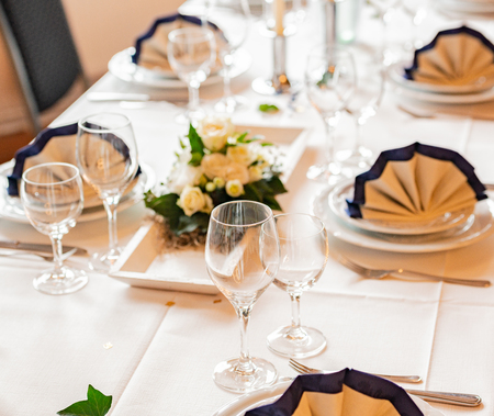 Table decoration in a restaurant for a wedding Banco de Imagens