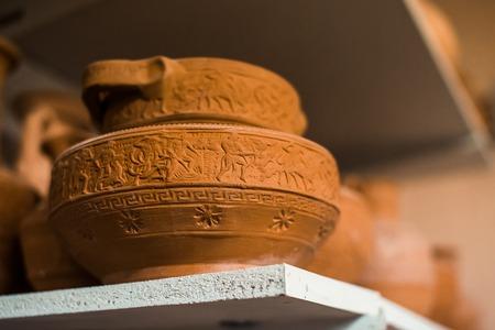 Traditional Greek ceramics Standard-Bild - 106362210