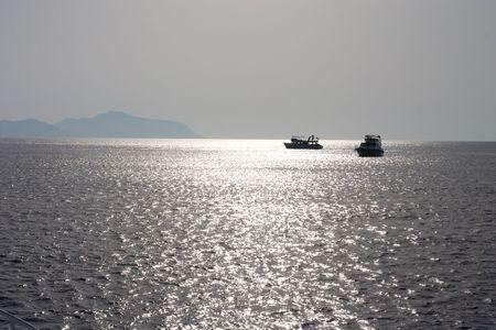 siervo: Dos buques en el mar ahora