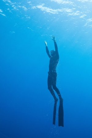 diver in the deep water photo