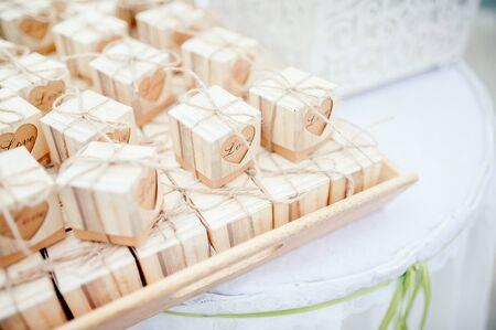 Hochzeitsgeschenk für Gäste Standard-Bild
