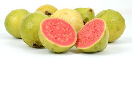 guayaba: Guayaba Frutas en fondo blanco. .