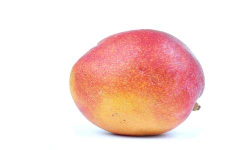 Mango-Frucht über weißem Hintergrund. .