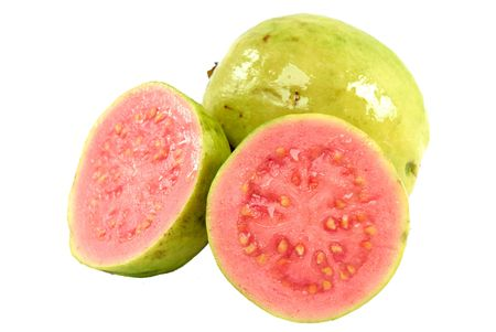 guayaba: Guayaba fruta fresca m�s de fondo blanco.  Foto de archivo